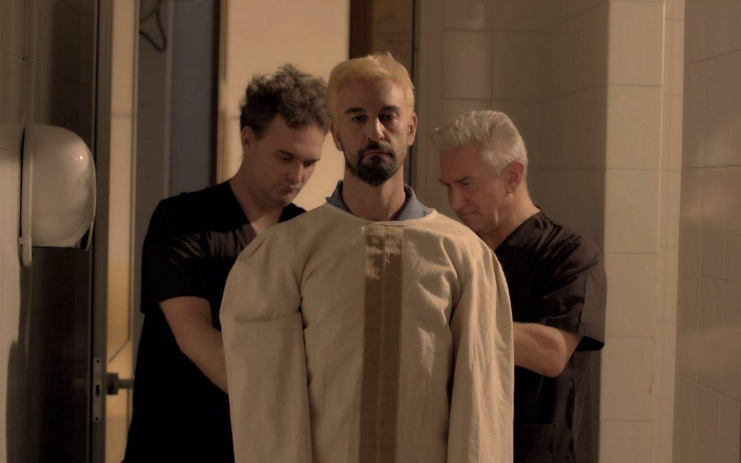 REVERSE un film di Mauro John Capece